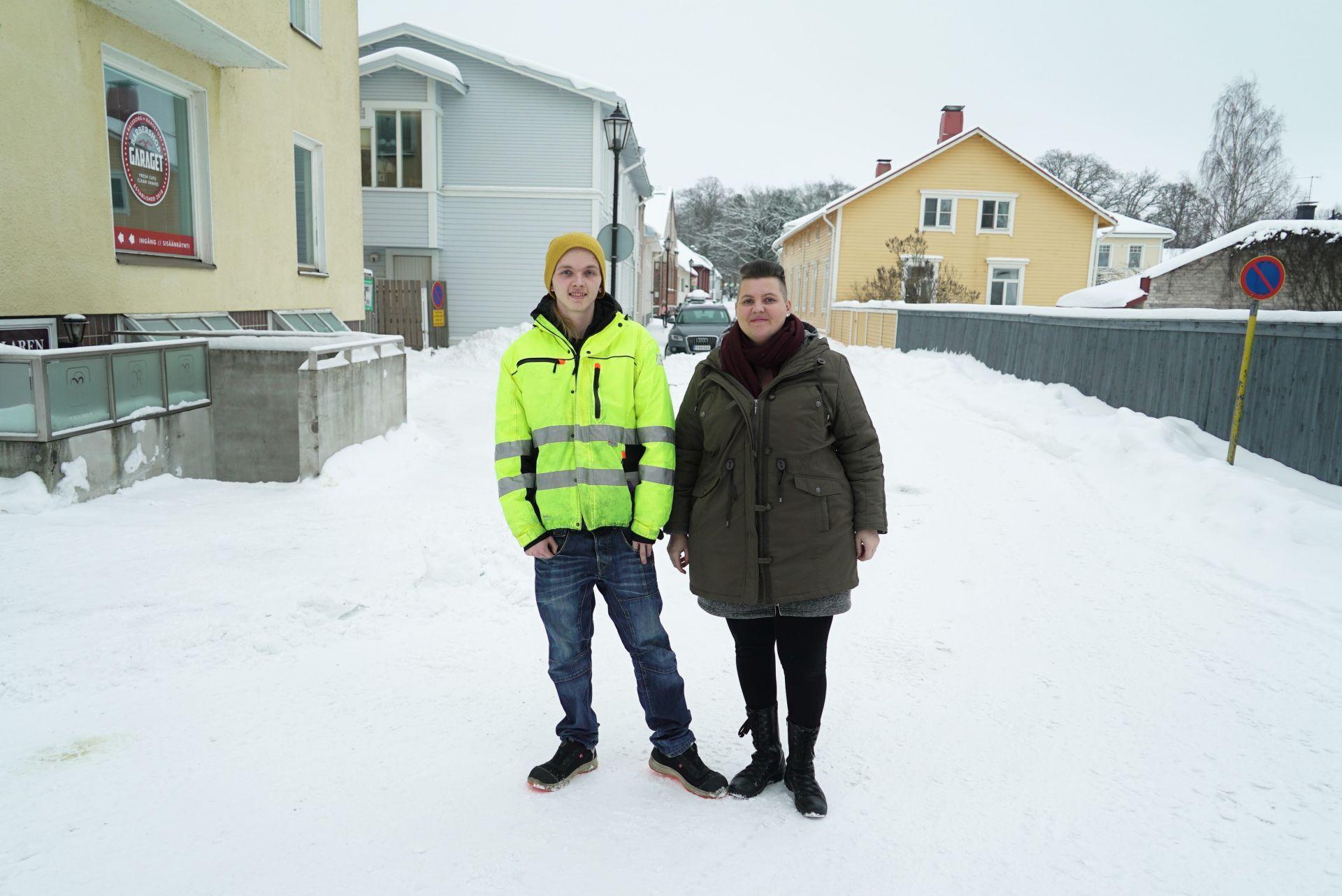 Sonen Theo och mamman Fredrica Degerth i Ekenäs